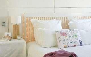 Как украсить кровать гирляндой