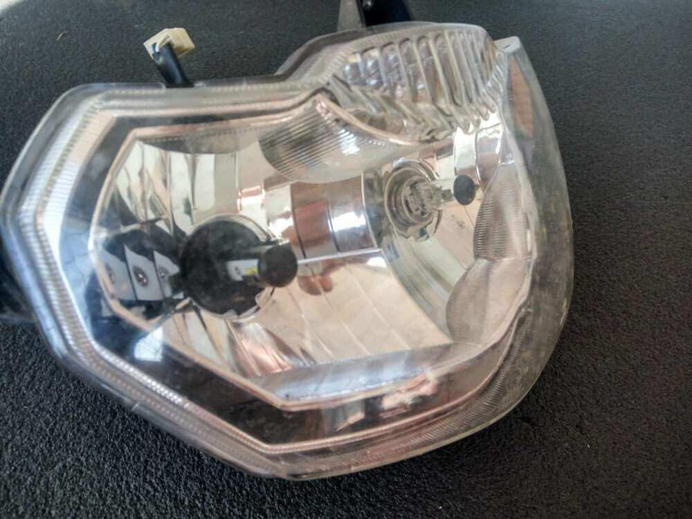 Фара с установленными лампами HS1 в сборе фото