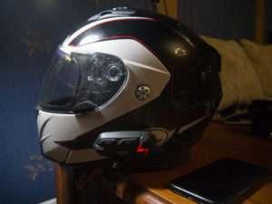Гарнитура M1-S реальное фото на шлеме