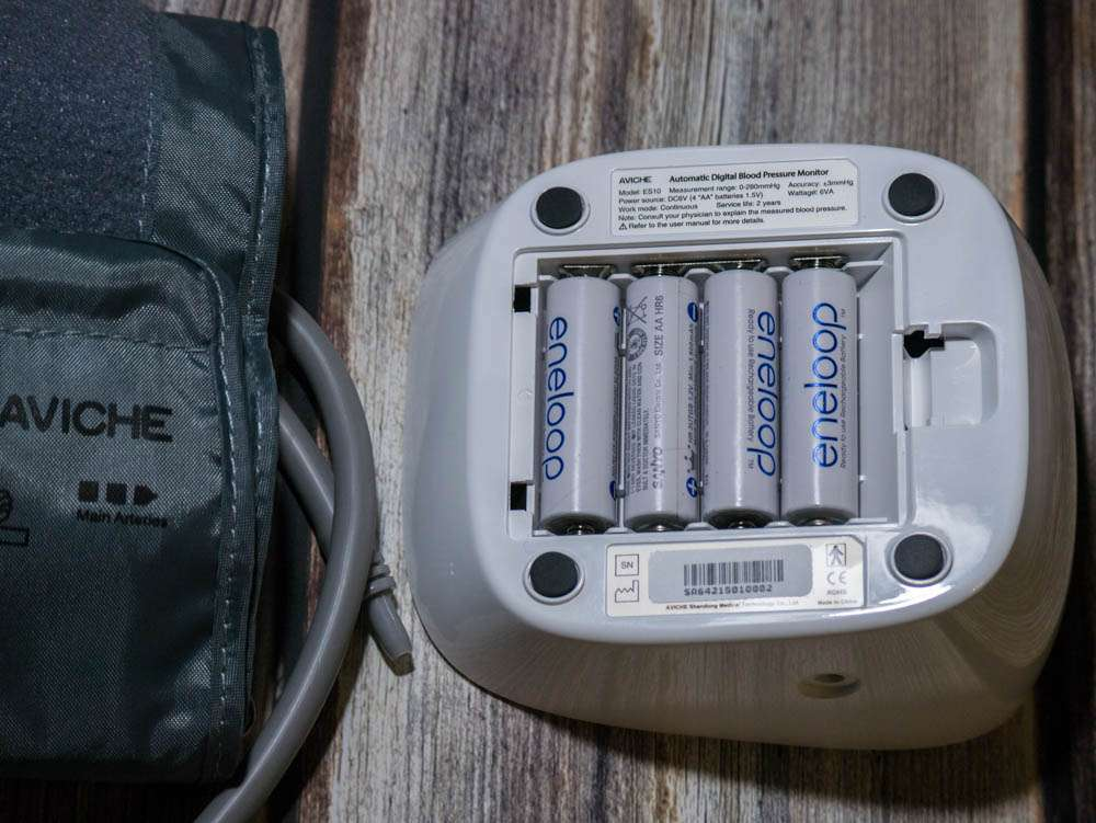 Китайский тонометр на батарейках